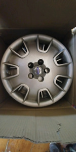 16 inch Volvo hubcaps.