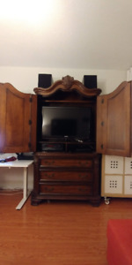 Entertainment unit/wardrobe Armoire with drawers