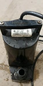 Sumersible pump