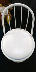 WHITE METAL SWIVEL CHAIR CUSHION SEAT.  ONLY 20.00