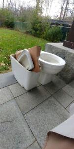 Excellent Condition American Standard Round Toilet