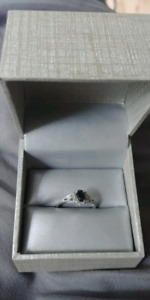 10k white gold sapphire ring with diamond accents