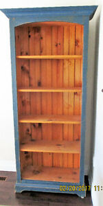 Professionally Crafted Pine Hutch in excellent condition