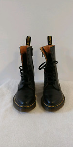New Size 6 womens Dc.Martens Boots