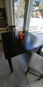 Kitchen table 2 chairs