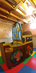 Jake and the neverland pirate tent/ship