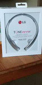 LG Bluetooth headphones (Tone infinim HBS-910)