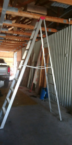 10 foot step ladder like new