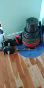 470 Lbs of Weights - FOR 400$