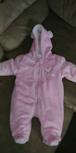 0-3 months winter suit.  STILL AVAILABLE