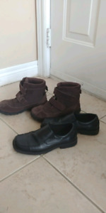 boys shoes size 3 both for 8