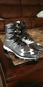 UA Clutchfit Cleats