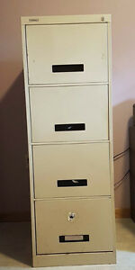 4 drawer filing cabinet - great condition