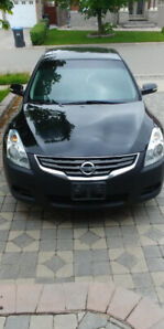 2010 Nissan Altima with loaded features