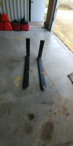Lift truck forks never been used