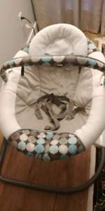 GRACO baby swing excellent condition