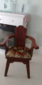 1 wooden chair left. The other 2 have been sold