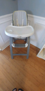 Beautiful wooden Highchair