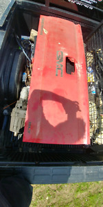 2014 gmc tail gate shell no dents or rust