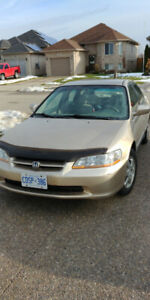2000 Honda accord with low kms. $2500 obo as/is