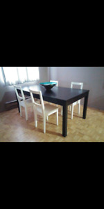 IKEA dining table and 4 chairs in great condition!