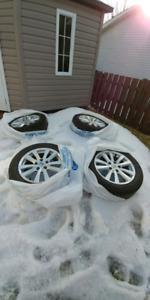 4 mags 16 pouces Honda avec pneus