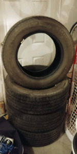 265 60 18 Michelin Latitude tires