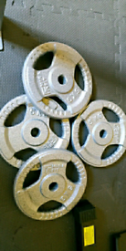 4 x cast iron weight plates standard size can deliver no posta