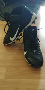 Nike alphashark mens size 7 football cleats