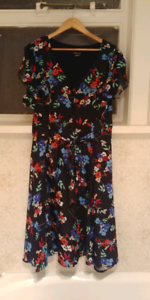 City Chic Short Sleeve Black Floral Dress size 22/24