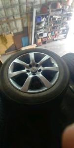 Mag Infiniti pneu été NEUF 215/60r17