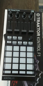 Traktor F1 Controller like new in box