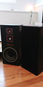 Vintage Sanyo AD-920 3 Way Speakers