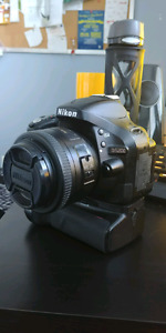 Looking to TRADE Nikon d5200 (package)