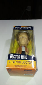 1996 DOCTOR WHO ELEVENTH DOCTOR BOBBLE HEAD IN BOX
