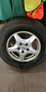 4 TIRES WITH RIMS HONDA CRV OR ELEMENT