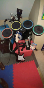 PS4 Rockband 4 with drums, guitar & mic