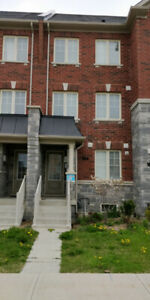 FREEHOLD TOWNHOUSE FOR SALE BY OWNER