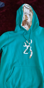 womens browning sweater