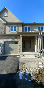 BRAND NEW TOWNHOUSE FOR RENT !!