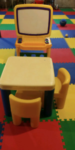 Little tikes table two chairs and easel