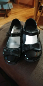 Young Girls Dress Shoes!