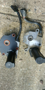 Transfer case actuators