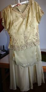 Gold colour lenga