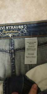 Lot - Ladies Cardigans, Skirts and Pants