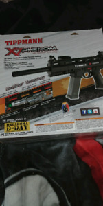 Paintball gun never used in great condition!