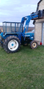 Universal 45 HP tractor with newer model Frey ML80 loader.