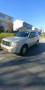 2009 Ford Escape 4cyl AWD LOW KMS