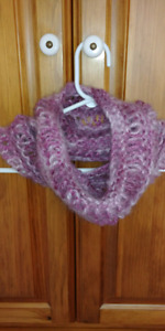 Knitted cowl/neck warmer