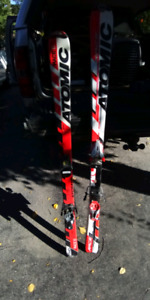 Atomic Race skiis 140cm Good Condition